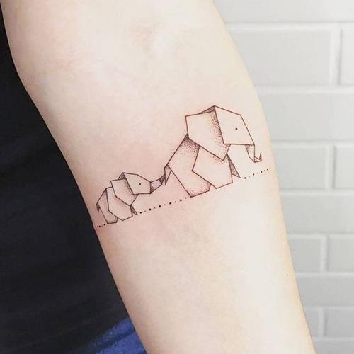 hình xăm voi mini ở tay