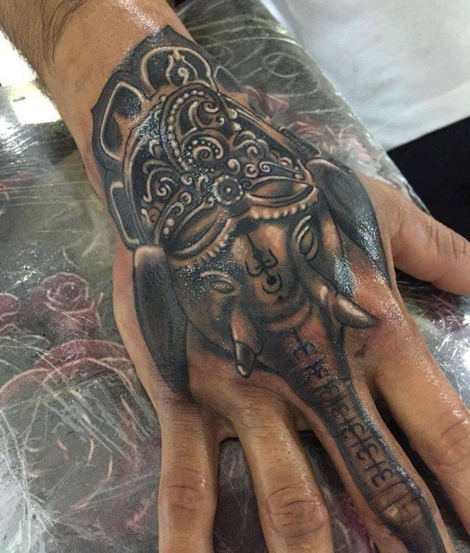 hình xăm voi ở trên tay