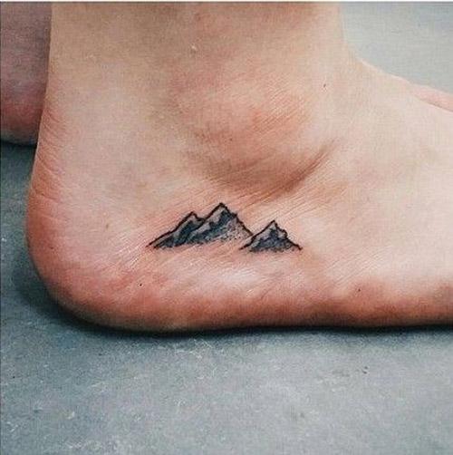 hình xăm mini ở cổ chân