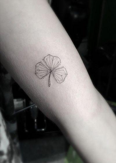 tattoo cỏ 3 lá đẹp nhất