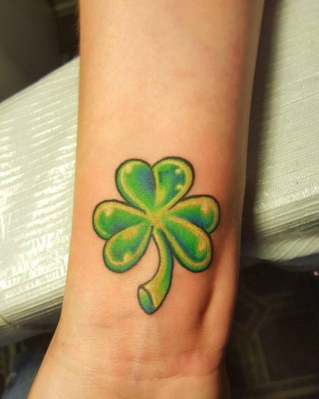 tattoo mini cỏ 3 lá