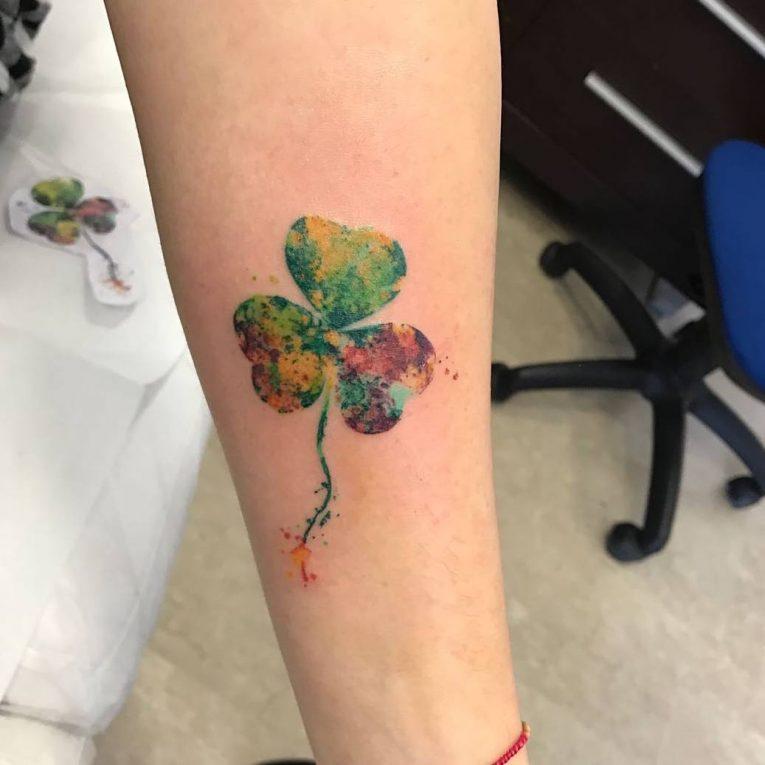tattoo nhỏ cỏ 3 lá