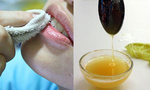 cách làm mờ viền môi