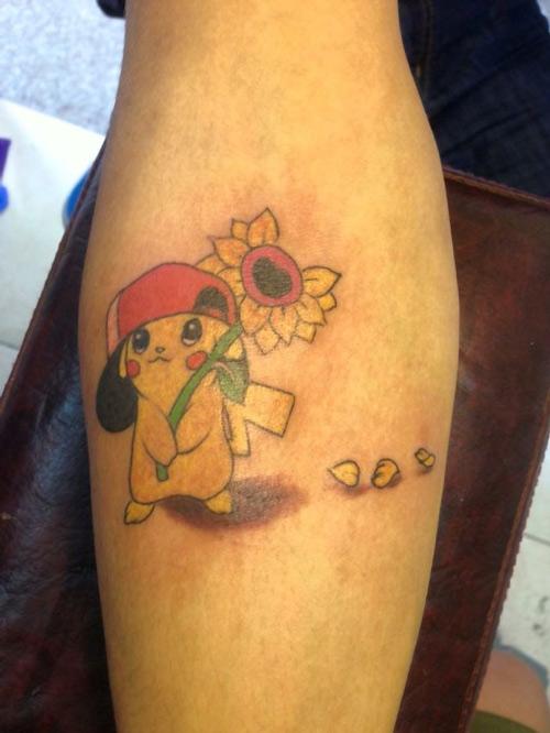 tattoo pikachu ở lưng