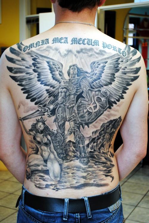 hình xăm đôi cánh thiên thần và ác quỷ