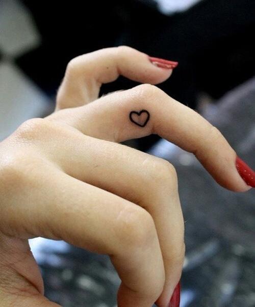 ý nghĩa hình xăm trái tim vô cực