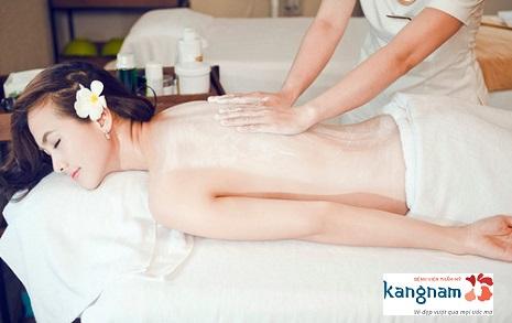 Tắm trắng với sữa non và tinh chất vàng Nano tại Kangnam