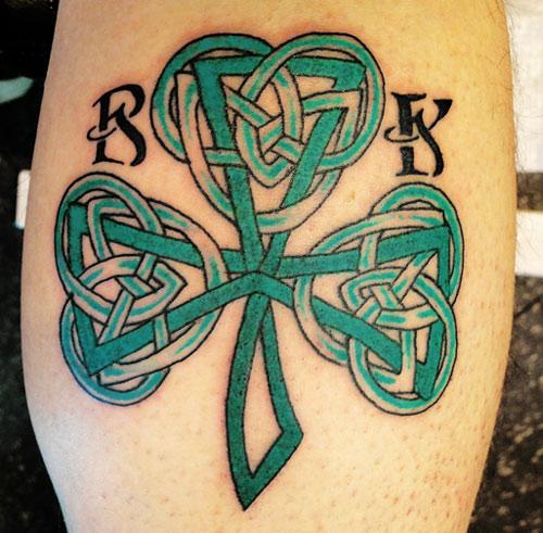 hình xăm cỏ 3 lá celtic