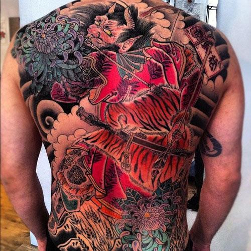 hình xăm yakuza trên lưng