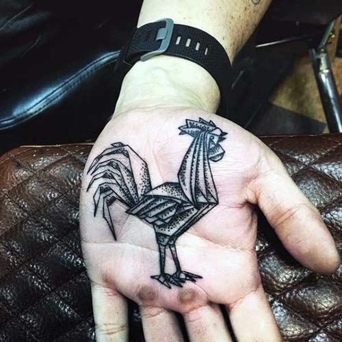 hình xăm cánh gà