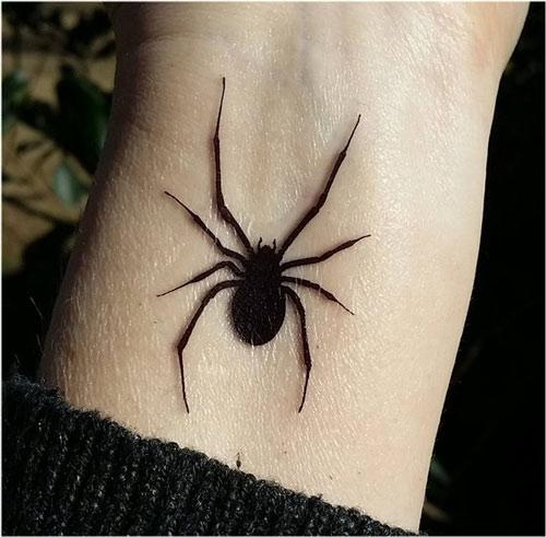 hình xăm nhện 3d ở cổ tay