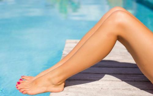 triệt lông chân có hại không