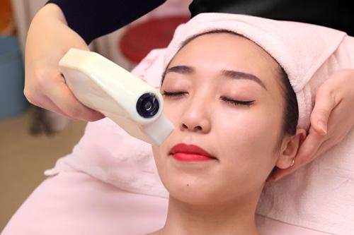 triệt lông mặt có hại không